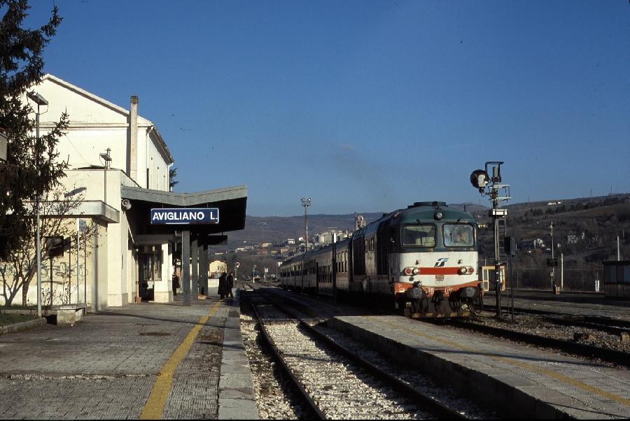 http://www.desiro.net/klein-2011-03-10-Avigliano-FS.jpg